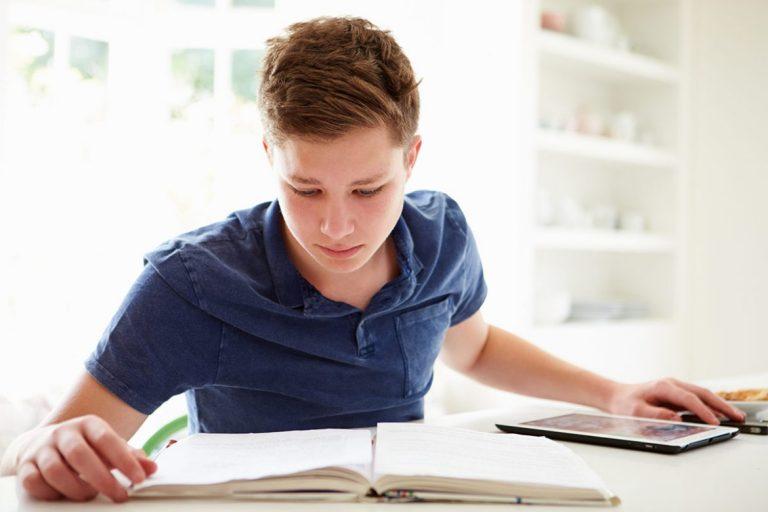 Pembelajaran Jarak Jauh Merepotkan Anak Anda, Begini Tips Mengatasinya